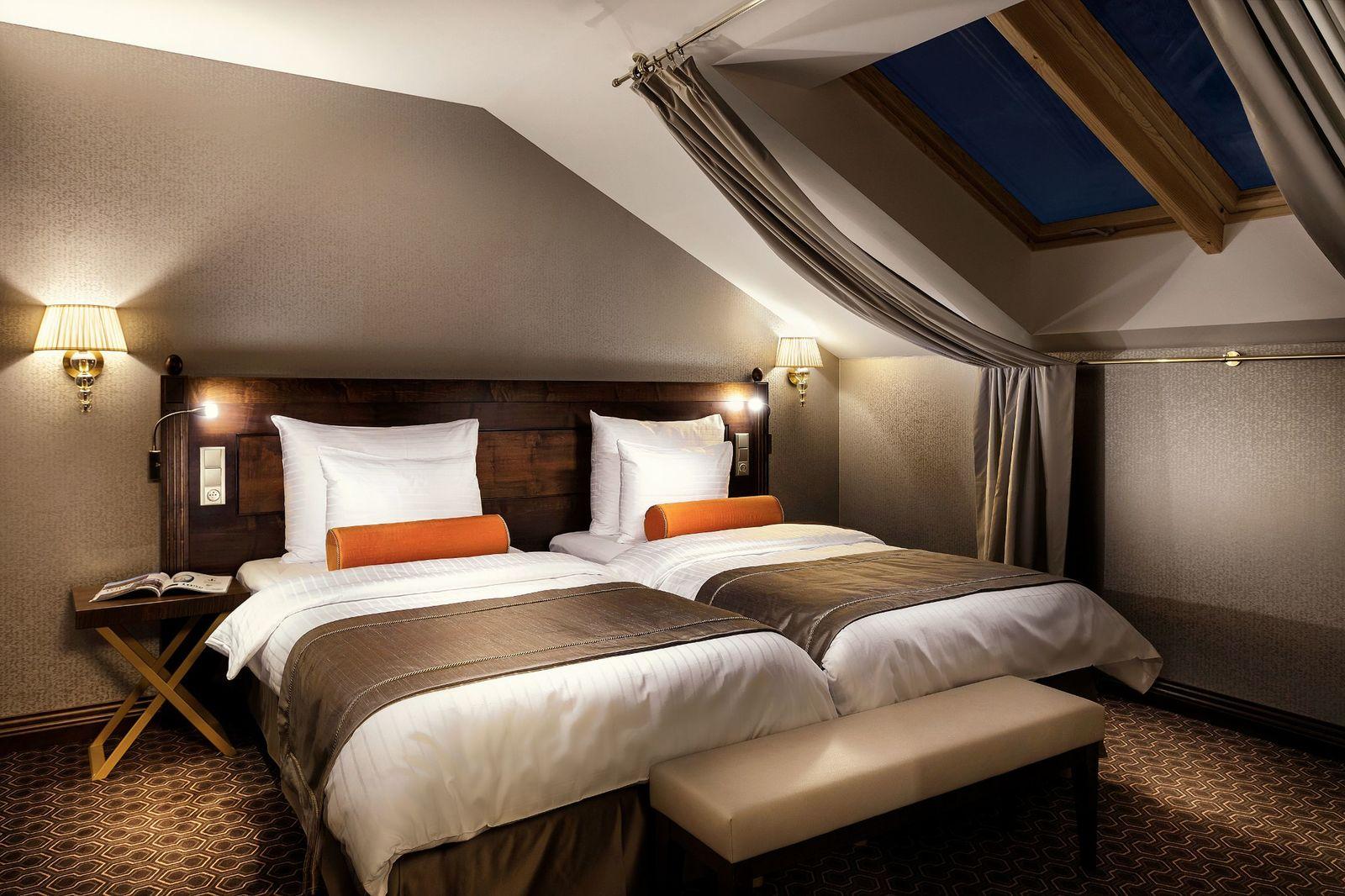 On Suite Bedroom Rooms Suites Cosmopolitan Hotel